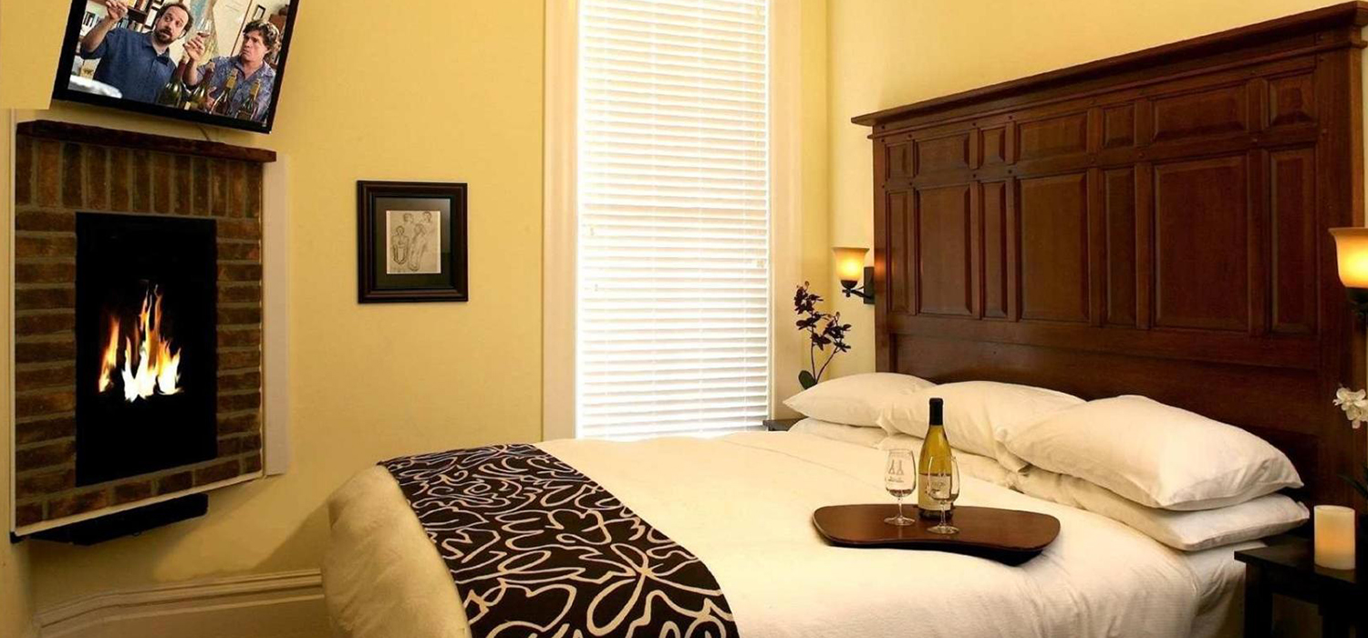 RELAX AND ENJOY OUR BOUTIQUE NAPA HOTEL ROOMS