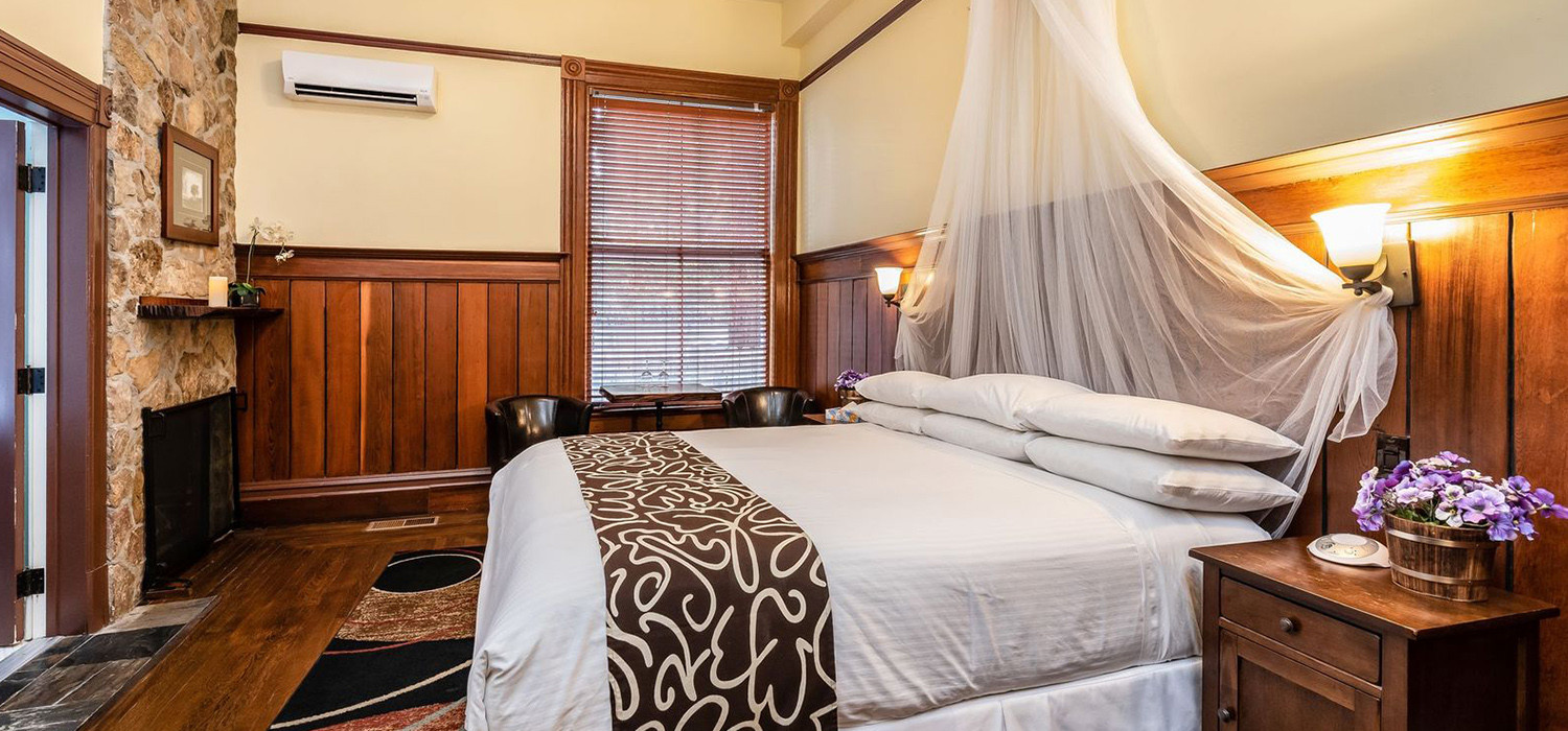 RELAX IN OUR STYLISH GUEST ROOMS AND ENJOY YOUR NAPA VALLEY VACATION TO THE FULLEST