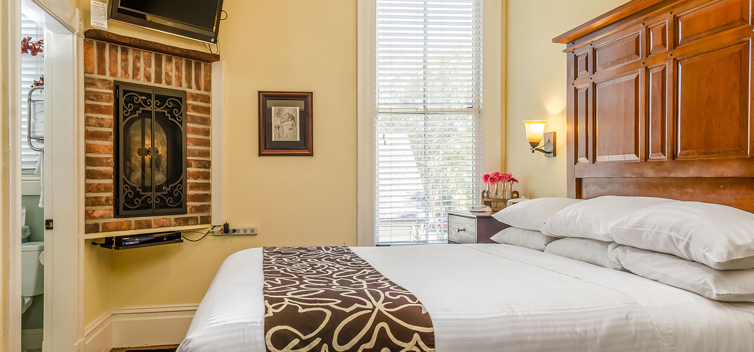 TAKE A CLOSER LOOK AT OUR NAPA HOTEL AND ITS CHARMING GUEST ROOMS