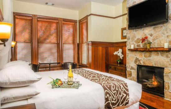 King Suite with Spa Tub - Non Smoking